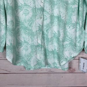 LuLaRoe Tops - LuLaRoe Valentina Button Up Shirt Size XL NWT